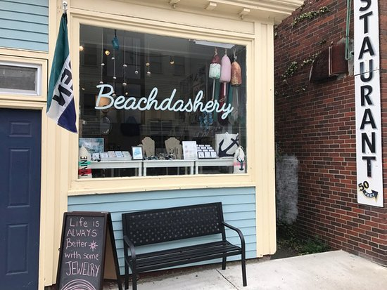Beachdashery Jewelry: Shop Exterior