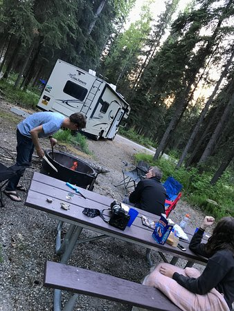 Chena River State Recreation Area: Lighting a fire to keep the bugs away and for s'mores