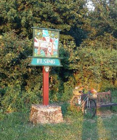 Dereham, UK: Village sign near The Mermaid