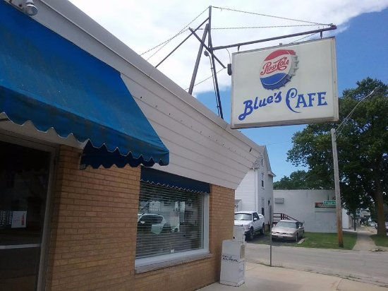 Kankakee, IL: Restaurant sign and Blue Awnings