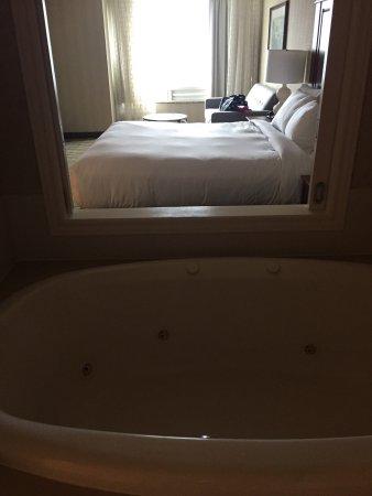 DoubleTree Fallsview Resort & Spa by Hilton - Niagara Falls: photo2.jpg