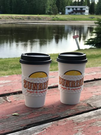River's Edge RV Park & Campground: Morning cup by the river