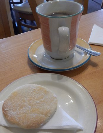 Shutters Licensed Restaurant: Coffee and shortbread - yes please!