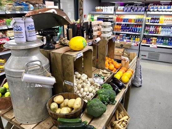 Holsworthy, UK: fruit and veg and local foods in the general store