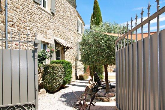 Grignan, فرنسا: Entrée hôtes