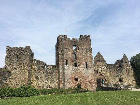 Ludlow Castle: photo0.jpg
