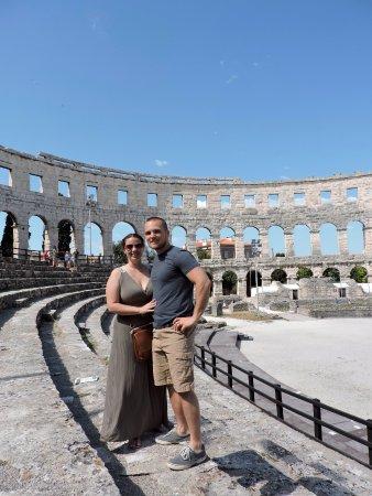 Αμφιθέατρο της Πούλα: my husband and I