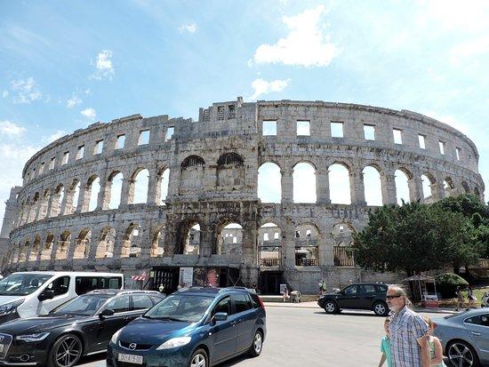 Αμφιθέατρο της Πούλα: spectacular structure