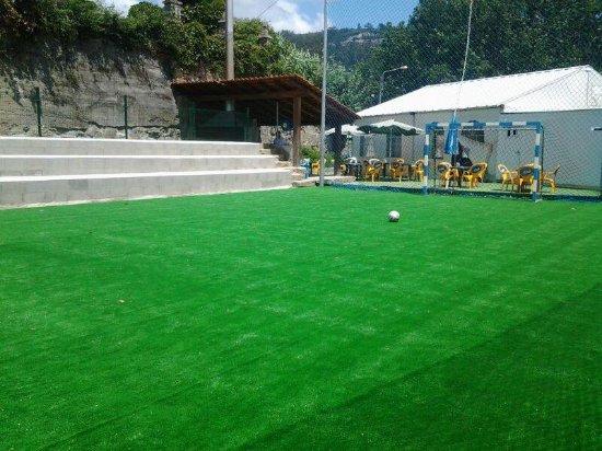 Moaña, España: mini campo de fútbol para los clientes