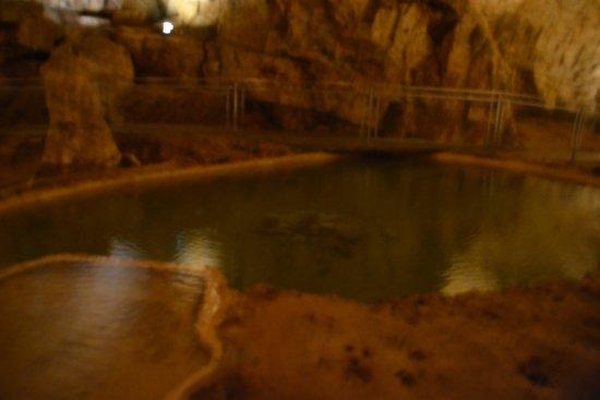 Lacave, Frankrike: retenue d eau