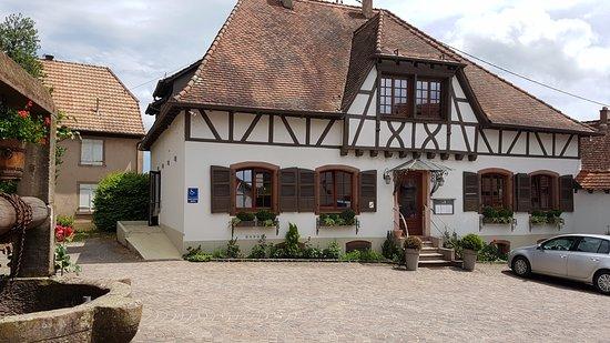 Mittelbergheim, Франция: vista do restaurante, fica logo na entrada da cidade