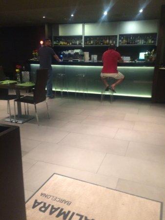 Alimara Barcelona Hotel: bar
