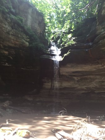 Starved Rock State Park: Last waterfall we saw.