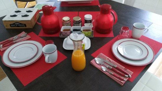 Bagneres-de-Luchon, Frankrijk: Petit-déjeuner