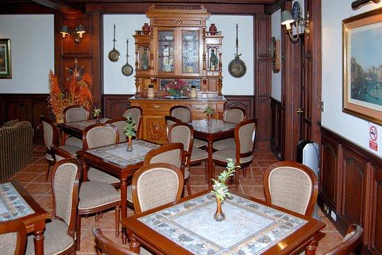 Hotel La Castellana Photo