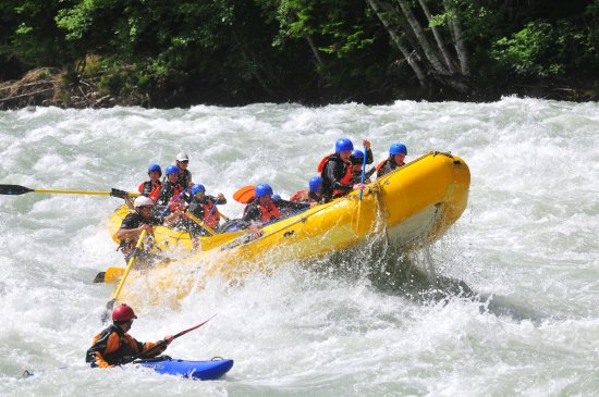 Squamish Rafting Company: Splish splash! Rafting is a blast!
