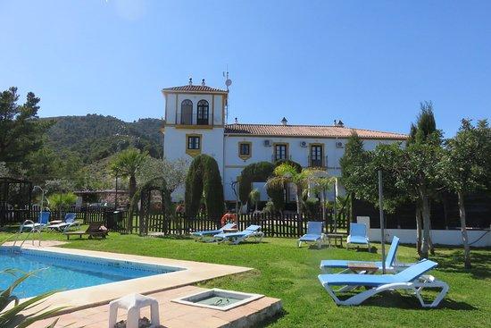 "Hotel ""Cerro de Hijar"" und Garten"