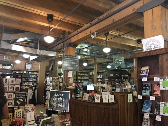 Tattered Cover Bookstore : photo1.jpg