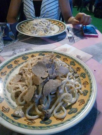 Magione, Italien: IMG_20170624_210113_large.jpg