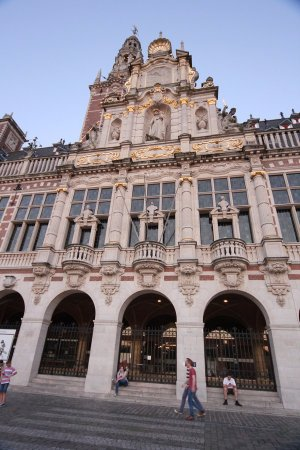 Leuven, België: Nearby The library of the university