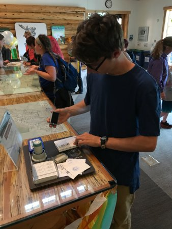Denali Visitor Center: Collecting stamps in his National Parks passport