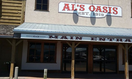 Oacoma, SD: Front of Restaurant