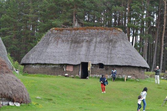 Newtonmore, UK: 1700s Highland Village, stone, timber and turf construct