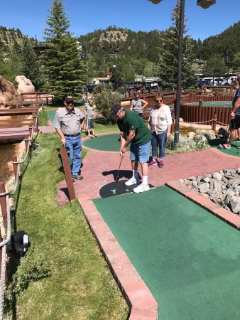 Estes Park Ride-A-Kart & Cascade Creek Mini-Golf: The great Putt putt challenge