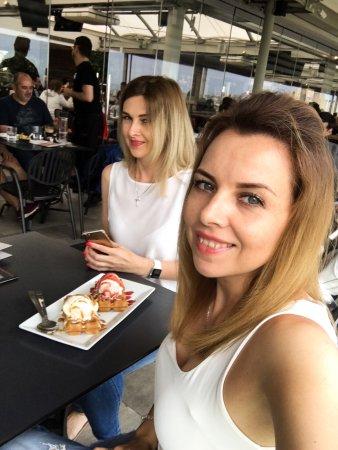 Restaurantes em Agios Dimitrios com culinária Sushi