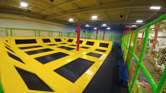 Fort Saskatchewan, Kanada: 5000 sq/ft trampoline area