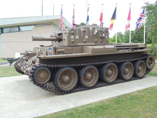Ranville, Francja: Centaur Tank at Pegasus Bridge memorial