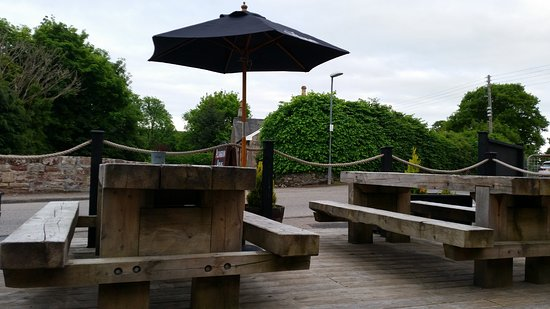 Munlochy, UK: outside seating