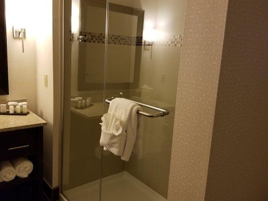 Embassy Suites by Hilton Fayetteville/Fort Bragg : 20170623_151649_large.jpg