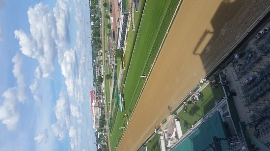 Churchill Downs: 20170624_174226_large.jpg