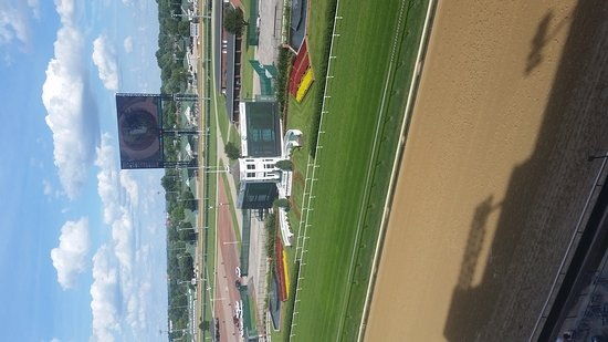 Churchill Downs: 20170624_174222_large.jpg