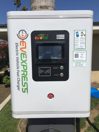 Santa Maria, CA: Electric Vehicle Super Charger