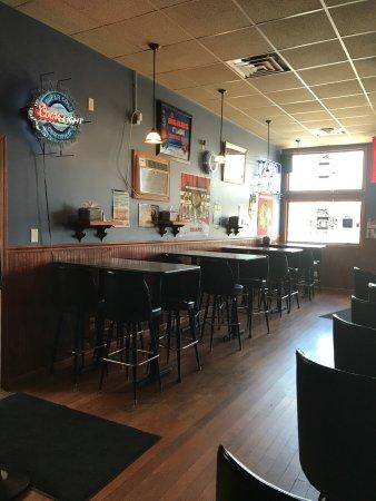 Oglesby, IL: Fun pub atmosphere!