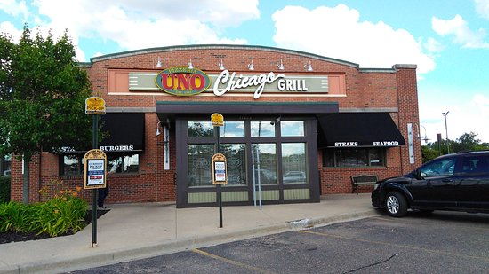 Sterling Heights, MI : UNO Chicago Grill