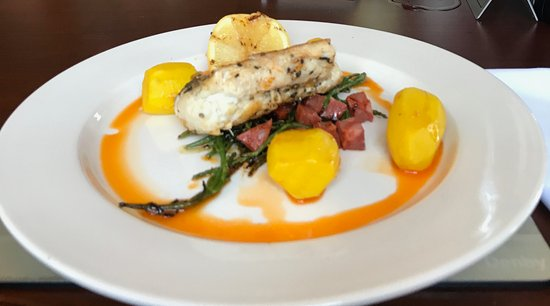 Stretton, UK: Loin of cod- whats not to like?