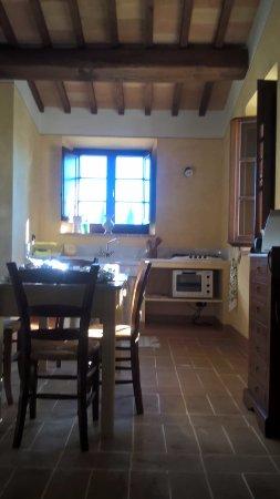 B&B Casa Laura: Cucina altro appartamento