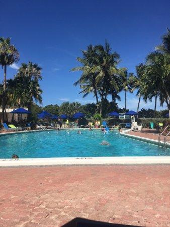 Four Points by Sheraton Miami Beach: photo0.jpg