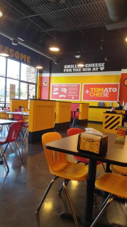 Interior Of Tom And Chee Charlotte Pike Nashville Tn