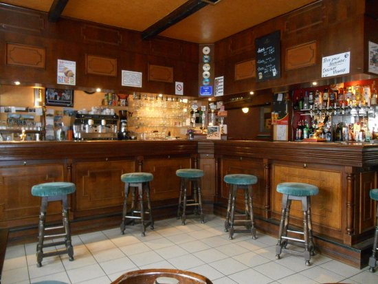 Huelgoat, Francia: Bar area