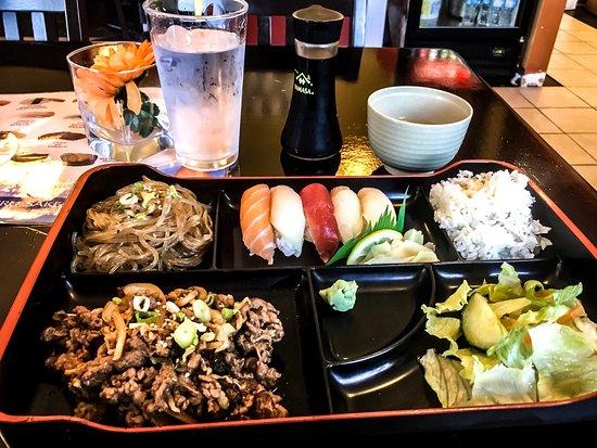 Белвилл, Канада: Delicious Bento Box L-12
