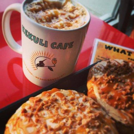 Kekuli Cafe Westbank: Try our Caramel Machiatto Gourmet BANNOCK!!!! with a Caramel Machiato Espresso