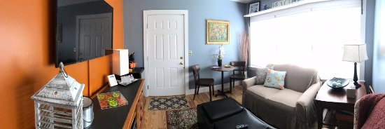 Bourne Bed & Breakfast: Suite #2 renovated for summer of 2017