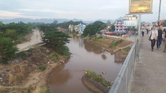 Mae Sot, Tailandia: Friendship Bridge