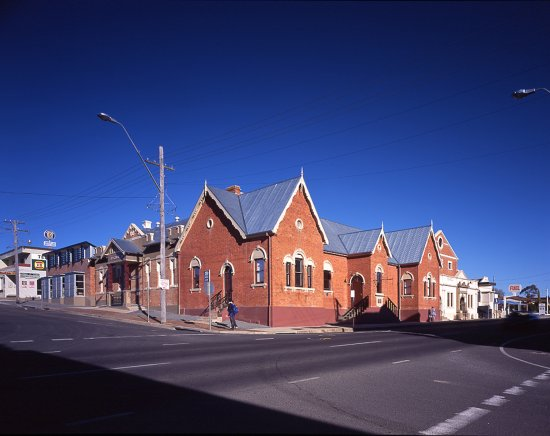 ‪Sir Henry Parkes School of Arts Museum‬