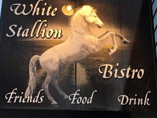 Whitestown, IN : White Stallion Bistro