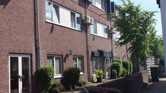 Zwanenburg, The Netherlands: entry